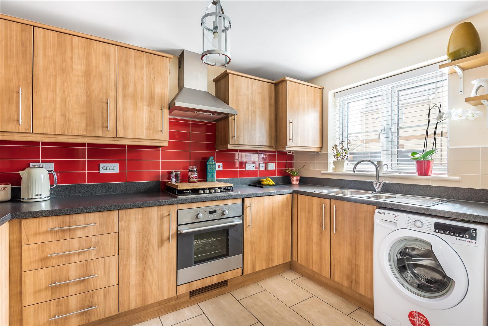 Teddington Place, Pontarddulais, Swansea, SA4 8AE